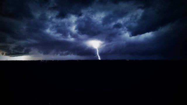 Almost lost my drone for this.   #stormphotography  #bransonmissouri  #discoverbranson  #explorebranson  #mavic  #dronephotography  #photography  #lightning